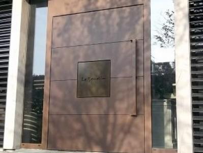 Porte entrée Restaurant le BENETIN
